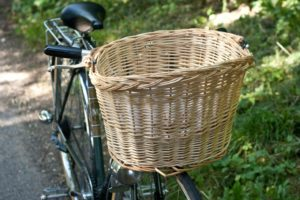 Elderberry and Apple Turnover - foraging with my bike