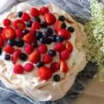 elderflower berry pavlova