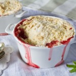 strawberry and elderflower crumble