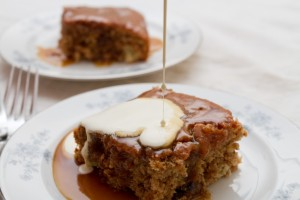 sticky toffee pudding made with baked in kit allthatimeating (3 of 5)