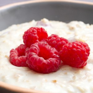 cardamom infused porridge with raspberries