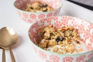 Lemon Yoghurt with quick granola