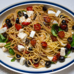 Spaghetti with Balsamic Tomatoes, Mozzarella and Olives
