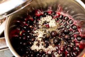 Alternative Blueberry Muffins - making the sauce