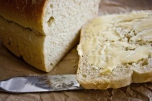 Buttered bread for the soup