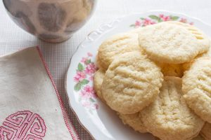Lemon Almond Biscuits with tea