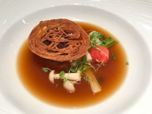 Beef broth and oxtail starter