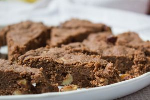 Chocolate shortbread with hazelnuts