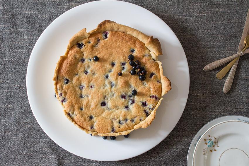 Frangipane tart with blackcurrants